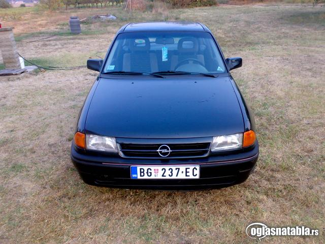 polovni Opel Astra 1993